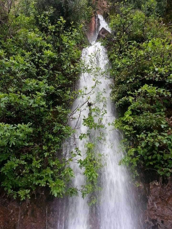 الصور لشلالات أونيزر القريبة من قرية أشكراد جماعة الحمراء