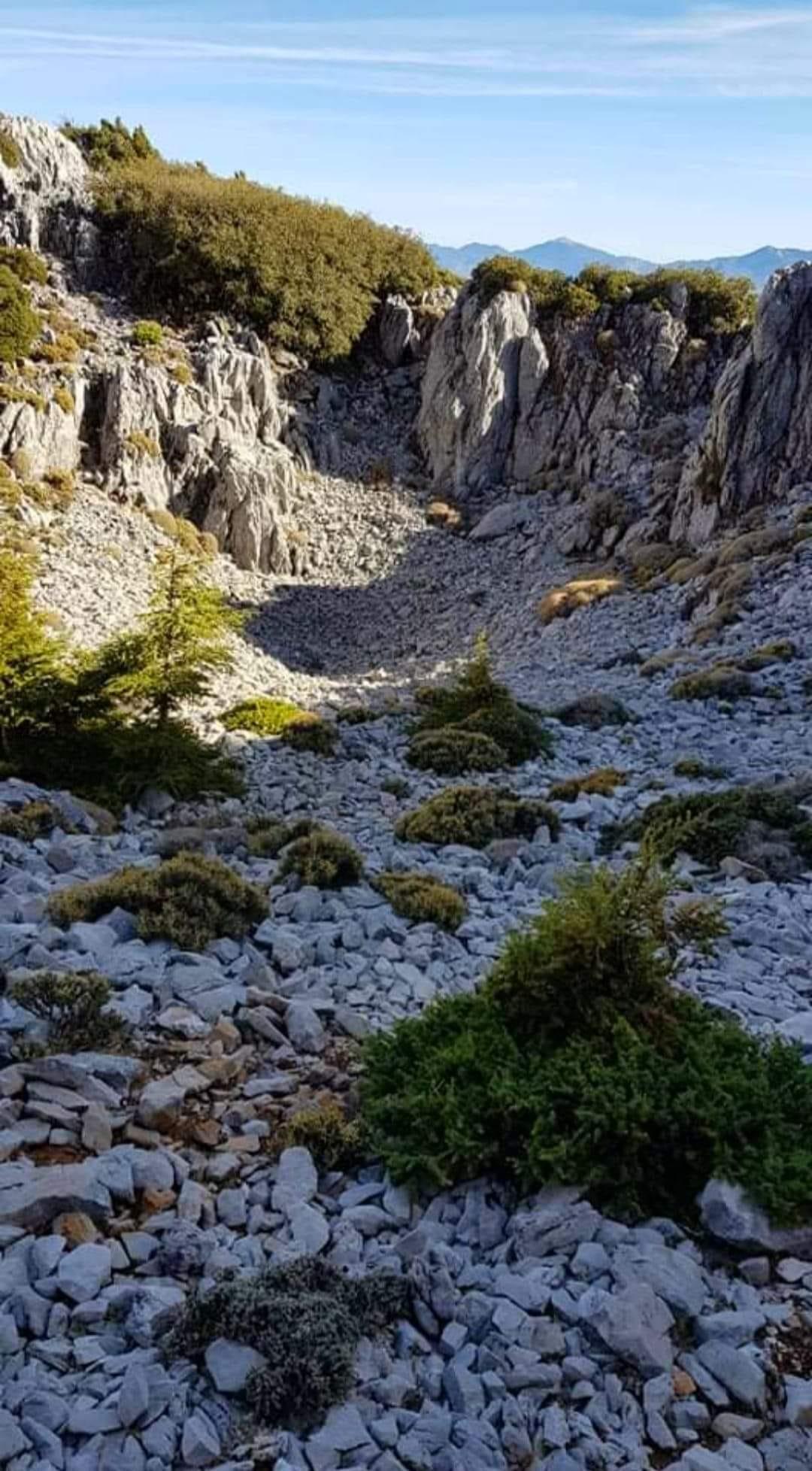 """صورة """"la doline"""" من قمة جبل كلتي"""