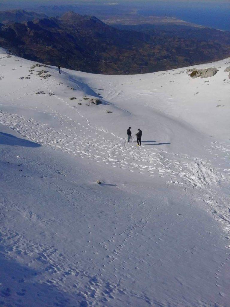 الصورة من قمة جبل كلتي قبيلة بني حسان حيث تظهر مدينة تطوان في أعلى الصورة