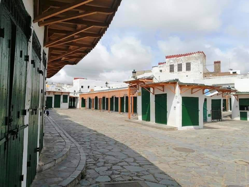 الصورة من ساحة الغرسة الكبيرة بمدينة تطوان القديمة