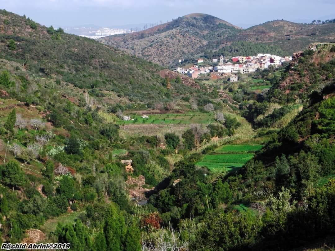 الصورة من محيط قرية كيتان بني حزمار تطوان