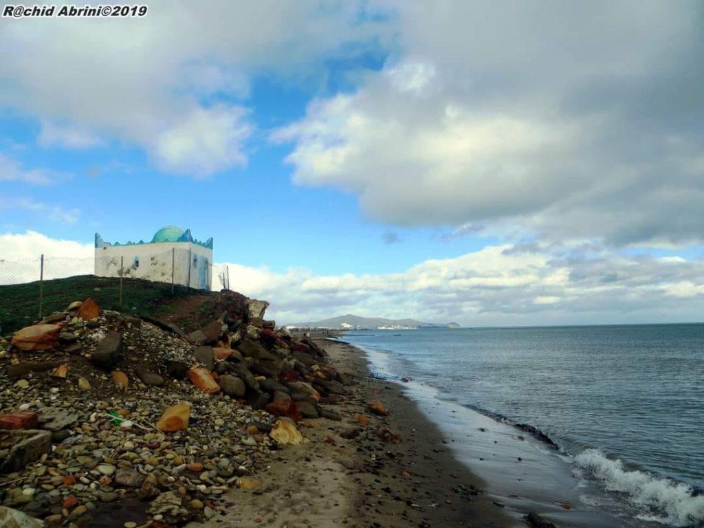 الصورة من شواطئ ضريح عبد السلام دالبحر جماعة أزلا تطوان بعدسة Rachid Abrini